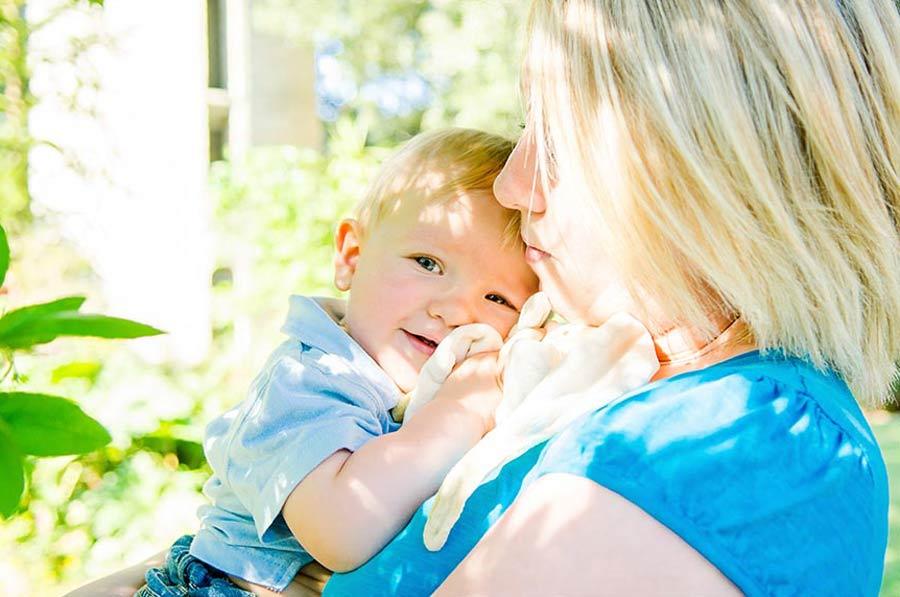 séance photo bébé enfant famille lifestyle en normandie dans la manche photographe caen calvados (5)