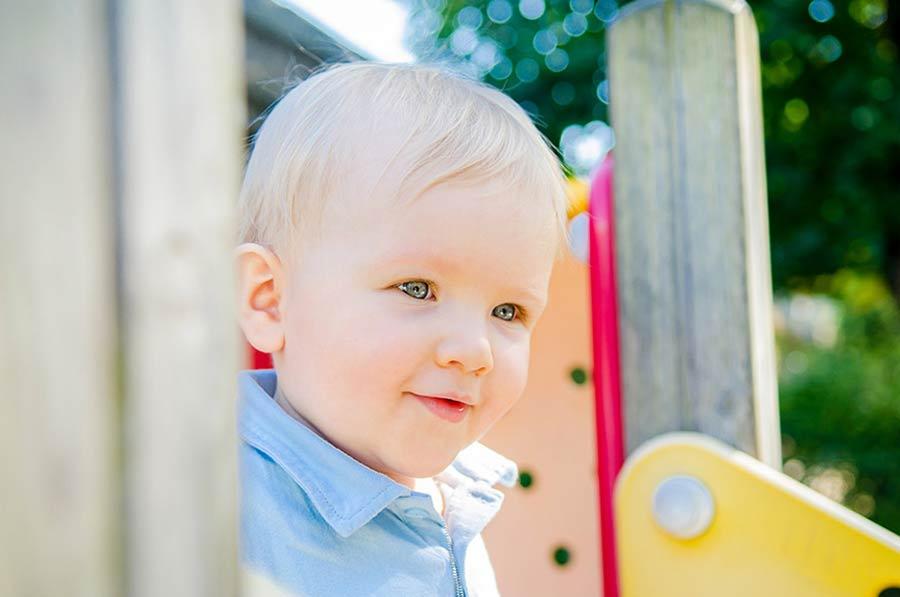 séance photo bébé enfant famille lifestyle en normandie dans la manche photographe caen calvados